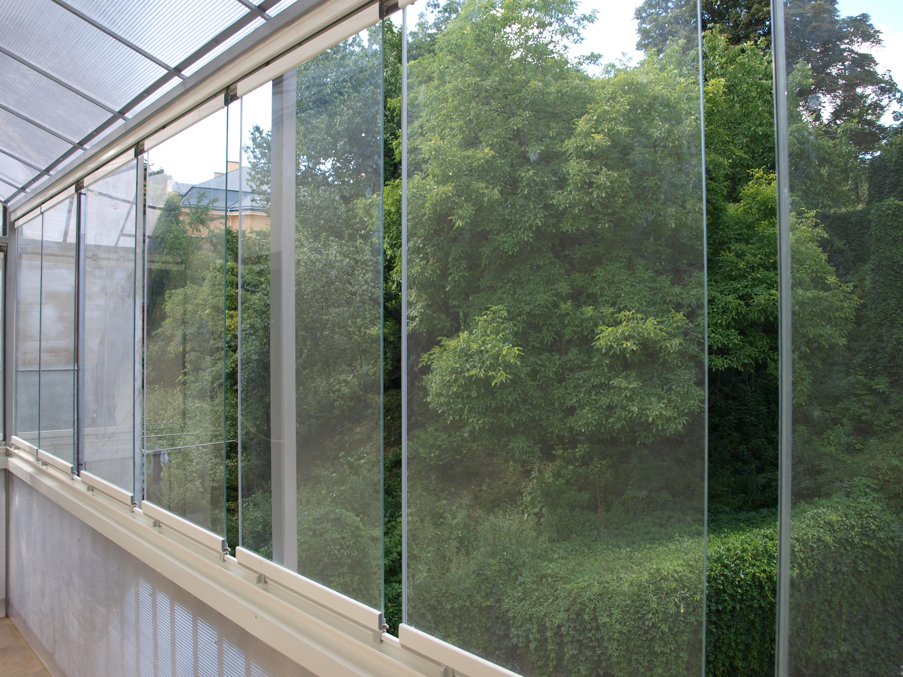 files/site-data/Frameless glazing/P7241618.JPG